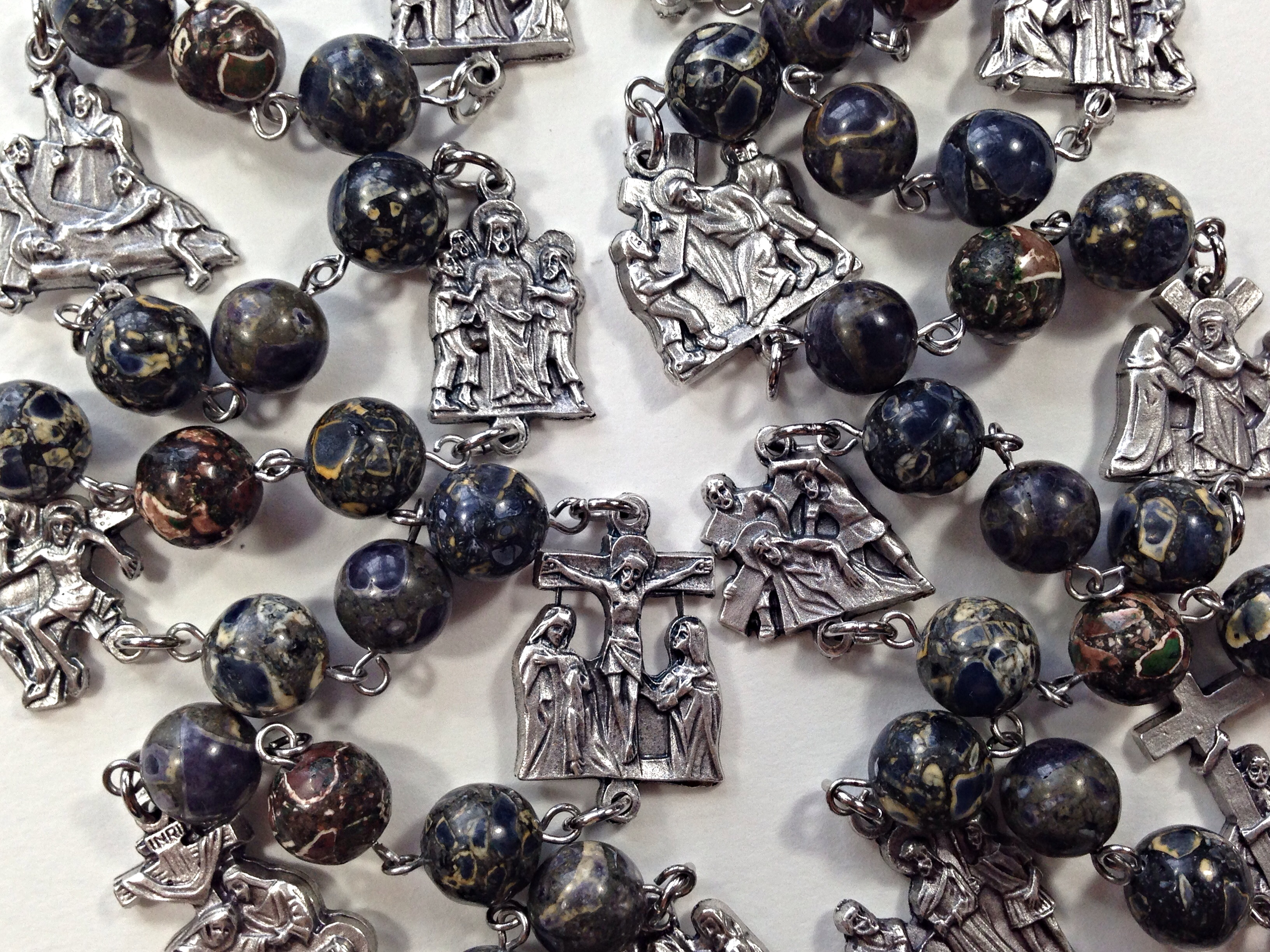 How to pray the stations of the cross rosary